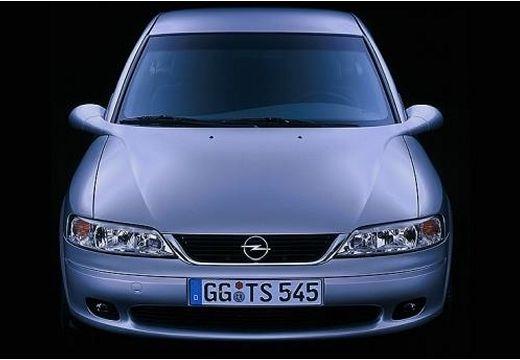 OPEL Vectra B II sedan silver grey przedni