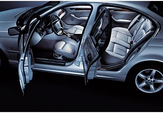 BMW Seria 3 E46 sedan wnętrze