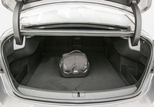 RENAULT Talisman sedan przestrzeń załadunkowa