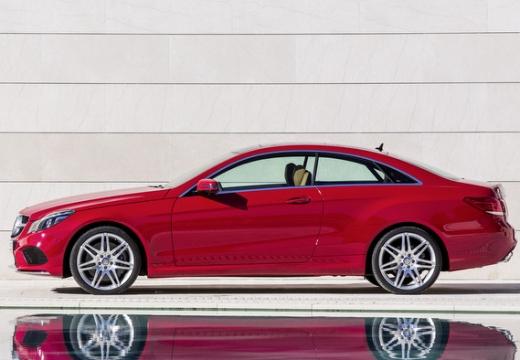 MERCEDES-BENZ Klasa E C 207 II coupe czerwony jasny boczny lewy