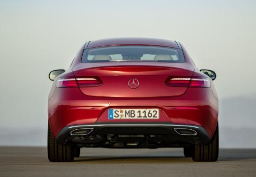 MERCEDES-BENZ Klasa E coupe czerwony jasny tylny