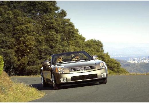 CADILLAC XLR roadster silver grey przedni prawy
