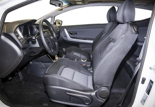 KIA Ceed Proceed IV hatchback wnętrze