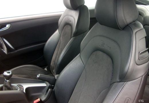 AUDI TT II coupe wnętrze