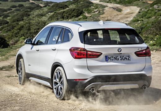BMW X1 универсал, белый-задний правый