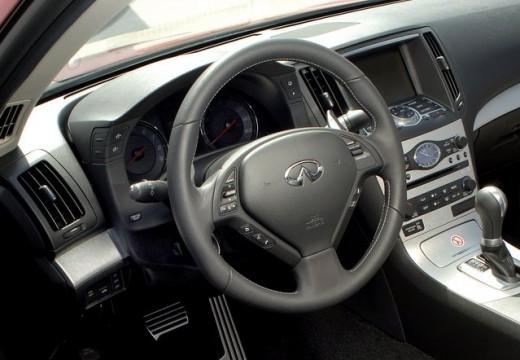INFINITI G37 coupe tablica rozdzielcza