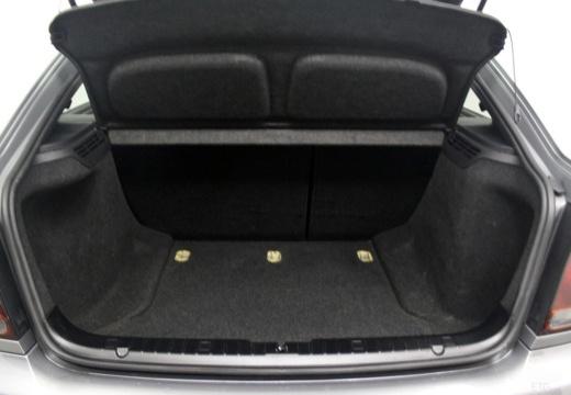 BMW Seria 3 Compact E46/5 hatchback przestrzeń załadunkowa