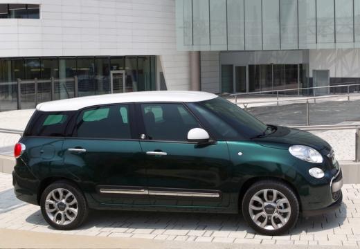 FIAT 500 L Living kombi zielony boczny prawy