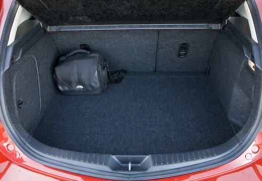 MAZDA 3 III hatchback przestrzeń załadunkowa