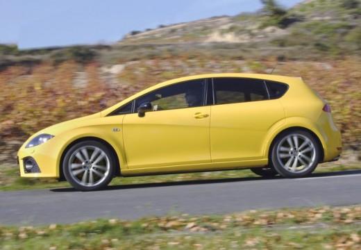 SEAT Leon III hatchback żółty boczny lewy