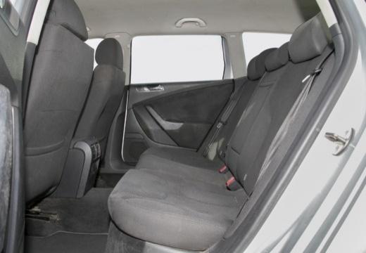 VOLKSWAGEN Passat Variant VI kombi silver grey wnętrze
