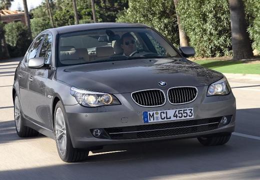 BMW Seria 5 E60 II sedan brązowy przedni prawy