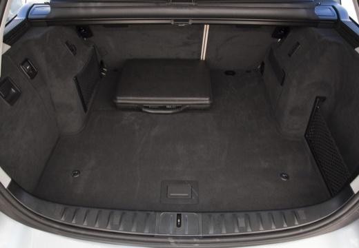 BMW Seria 3 Touring E91 II kombi niebieski jasny przestrzeń załadunkowa
