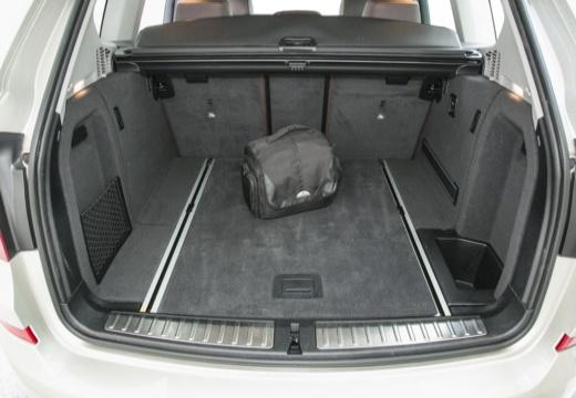 BMW X3 X 3 F25 II kombi silver grey przestrzeń załadunkowa