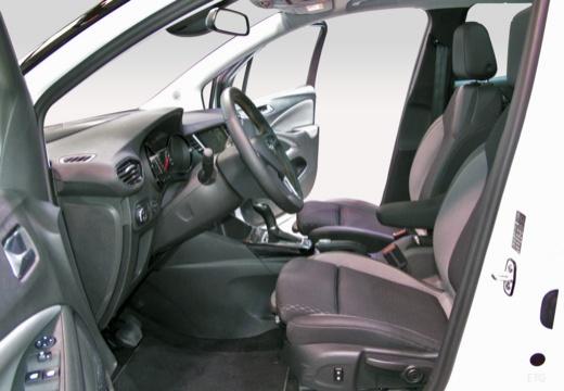 OPEL Crossland X hatchback wnętrze