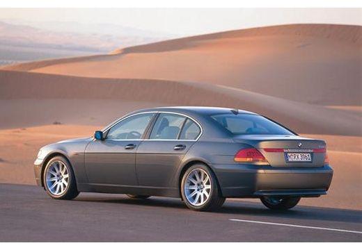 BMW Seria 7 E65 E66 I sedan szary ciemny tylny lewy