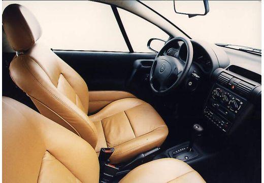 OPEL Tigra coupe wnętrze