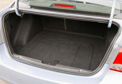 CHEVROLET Cruze I sedan przestrzeń załadunkowa