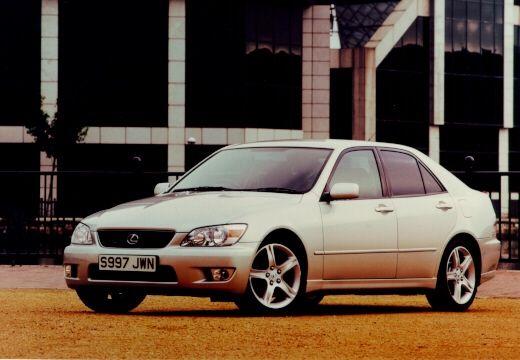 LEXUS IS sedan silver grey przedni lewy