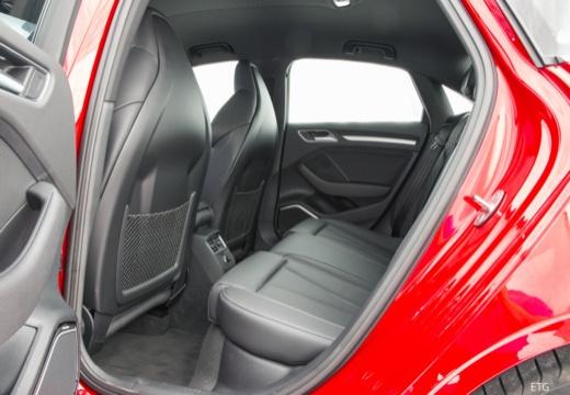 AUDI A3 Limousine 8V sedan wnętrze