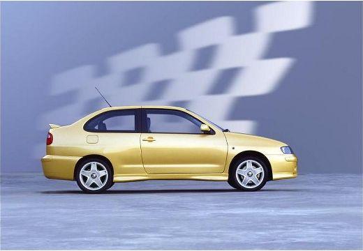 SEAT Cordoba coupe żółty boczny prawy
