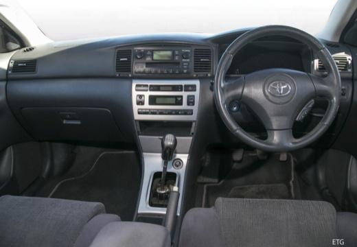 Toyota Corolla VI hatchback tablica rozdzielcza