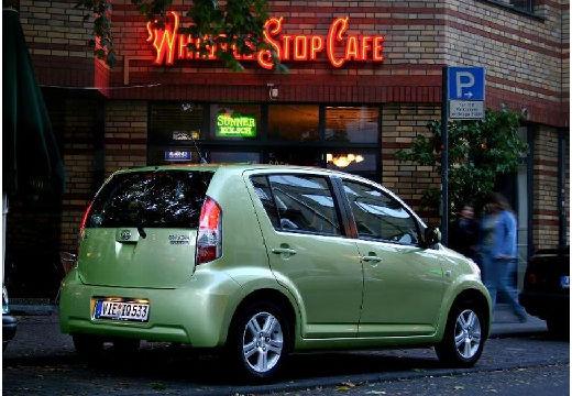 DAIHATSU Sirion III hatchback zielony jasny tylny prawy