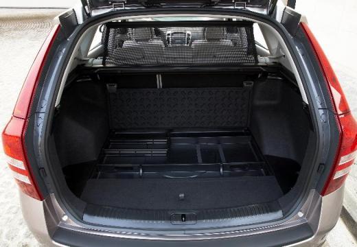 KIA Ceed Sporty Wagon I kombi brązowy przestrzeń załadunkowa