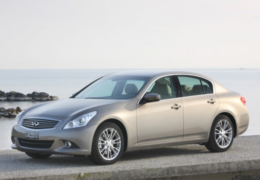 INFINITI Q60 coupe silver grey przedni lewy