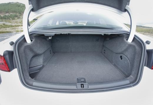AUDI A3 Limousine sedan przestrzeń załadunkowa
