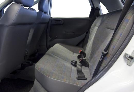 OPEL Corsa C II hatchback biały wnętrze