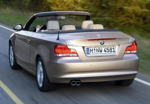 BMW Seria 1 kabriolet beige tylny lewy