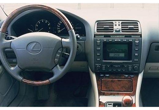 lexus ls 400 sedan ii 4 0 294km 1999. Black Bedroom Furniture Sets. Home Design Ideas