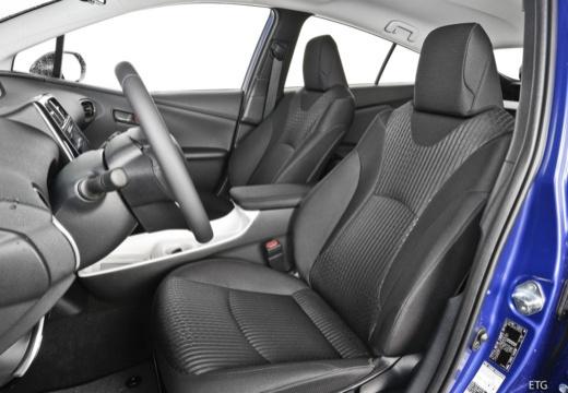 Toyota Prius IV hatchback wnętrze