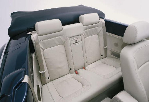 VOLKSWAGEN New Beetle Cabriolet I kabriolet niebieski jasny wnętrze