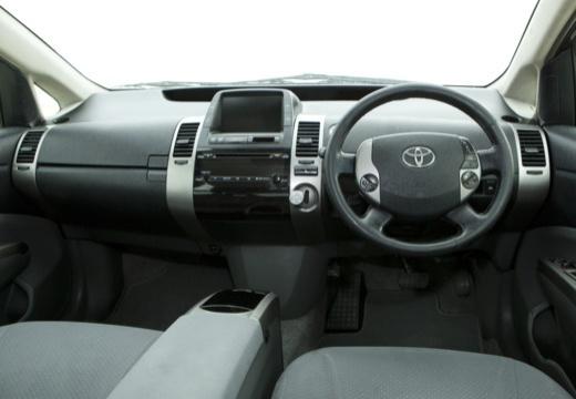 Toyota Prius I hatchback biały tablica rozdzielcza
