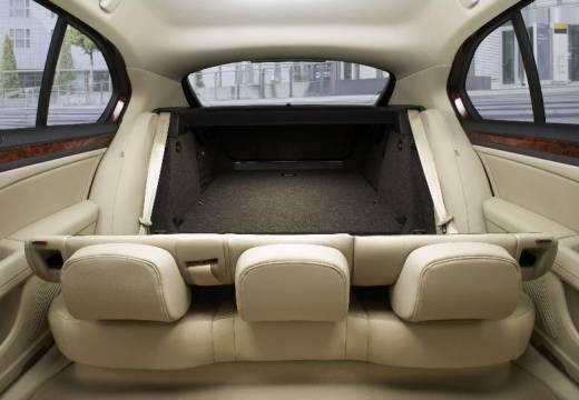 SKODA Superb III hatchback wnętrze