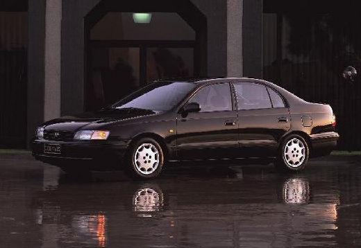 Toyota Carina E sedan czarny przedni lewy