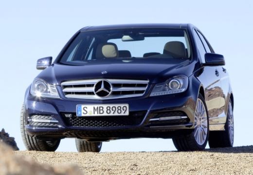 MERCEDES-BENZ Klasa C W 204 II sedan niebieski jasny przedni lewy