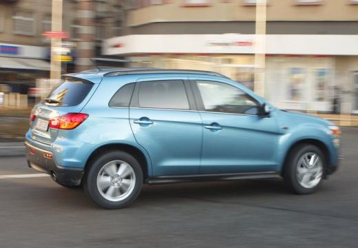 MITSUBISHI ASX hatchback niebieski jasny tylny prawy
