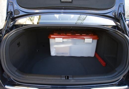 AUDI A6 sedan przestrzeń załadunkowa