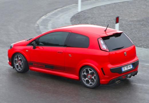 FIAT Punto Evo hatchback czerwony jasny tylny lewy