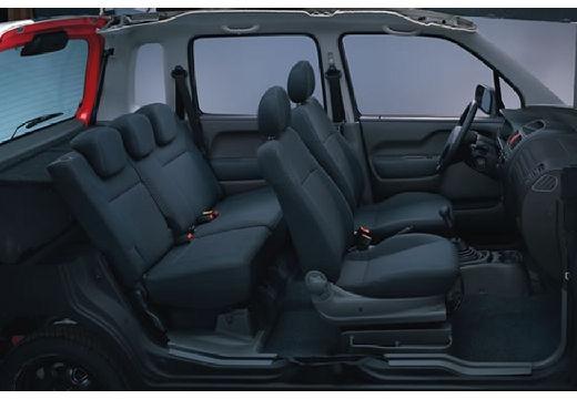 SUZUKI Wagon R+ II hatchback wnętrze