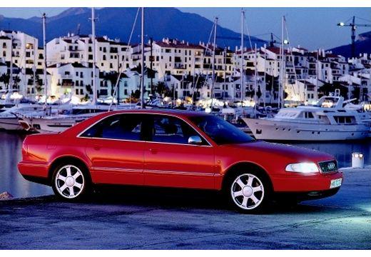 AUDI A8 /S8 D2 sedan czerwony jasny przedni prawy
