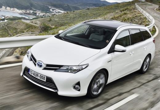Toyota Auris 1.33 VVT-i Life Kombi TS I 1.4 99KM (benzyna)