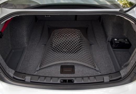 BMW Seria 3 E92 II coupe przestrzeń załadunkowa