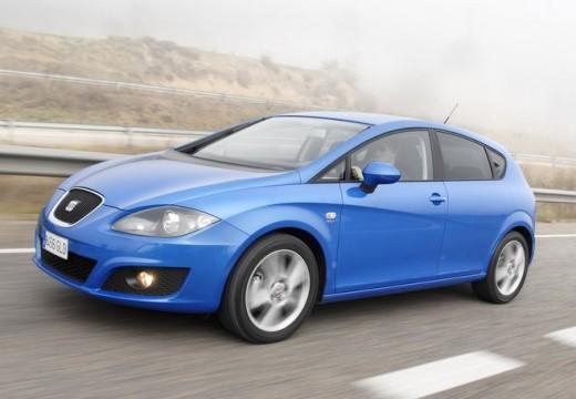 SEAT Leon III hatchback niebieski jasny przedni lewy