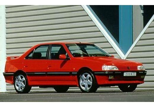 PEUGEOT 405 sedan czerwony jasny przedni prawy