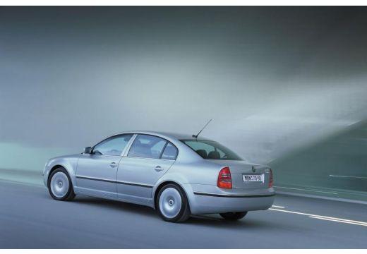 SKODA Superb II sedan silver grey tylny lewy