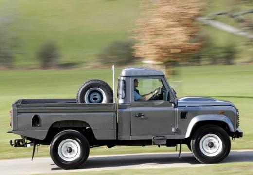 LAND ROVER Defender pickup szary ciemny boczny prawy